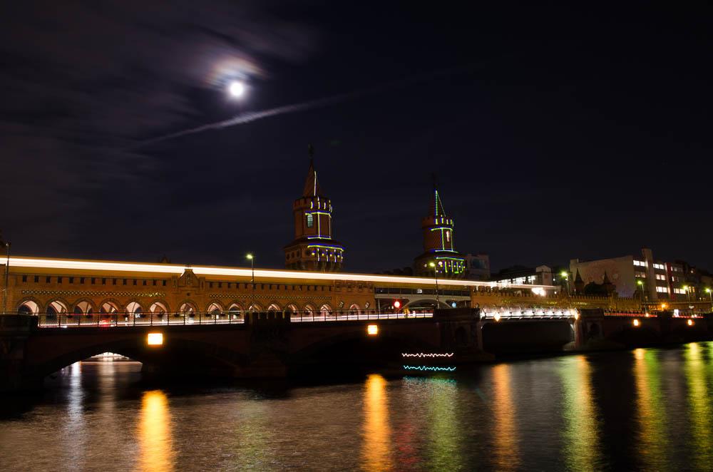 Mondlicht über der Oberbaum Brücke