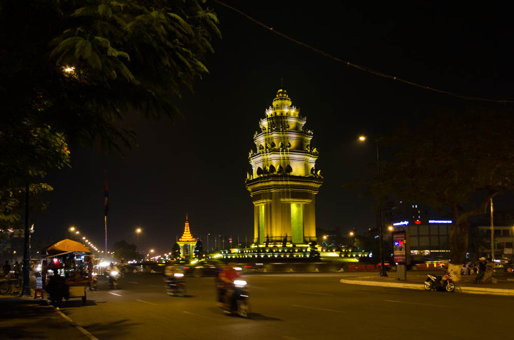 Phnom Penh bei Nacht