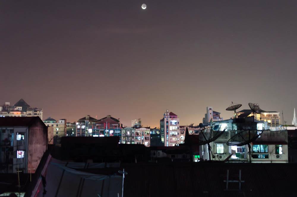 Über den Dächern von Yangon