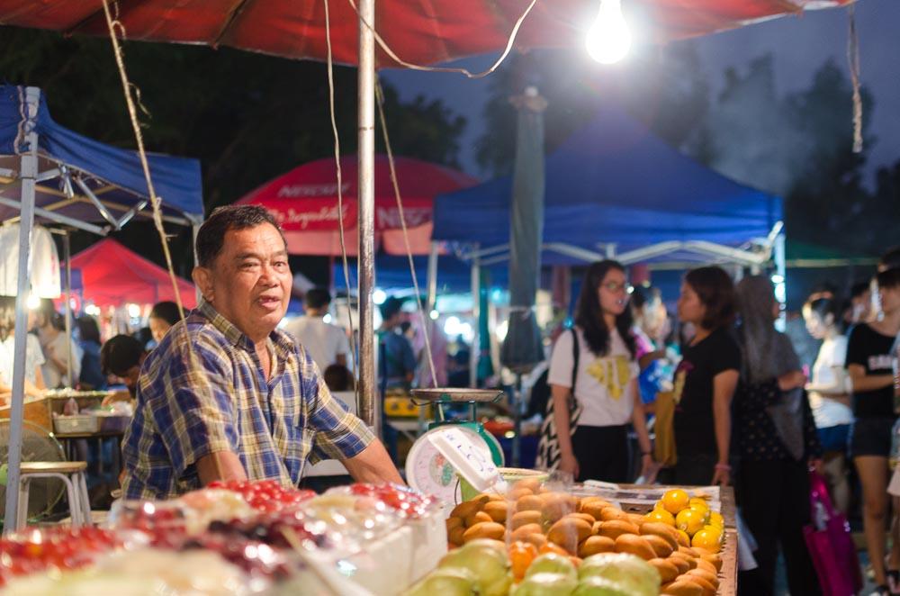 Nachtmarkt in Thailand