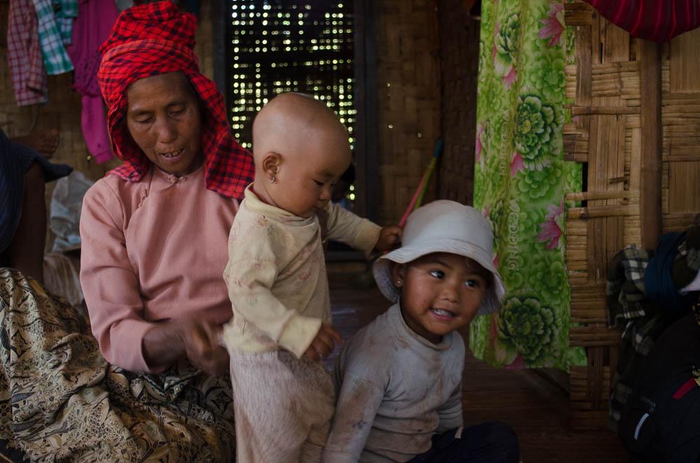 Familie in Myanmar