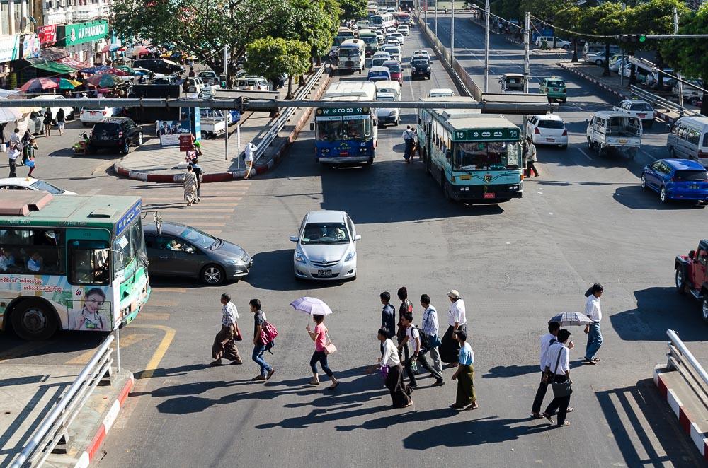 Yangon zu Fuß entdecken