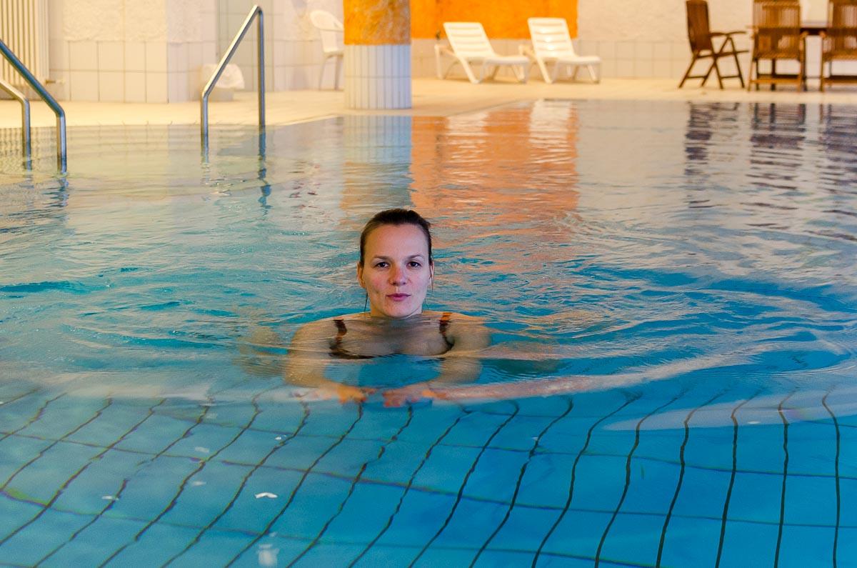 Wellness Pool Sauna