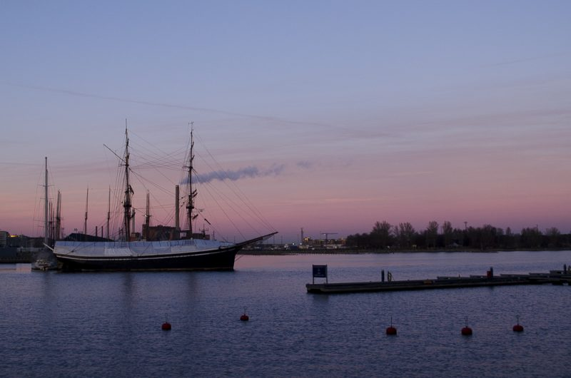Pinker Sonnenuntergang in Helsinki