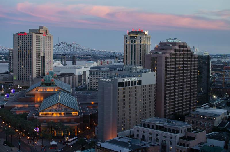 Blick über Downtown New Orleans vom Hotelzimmer