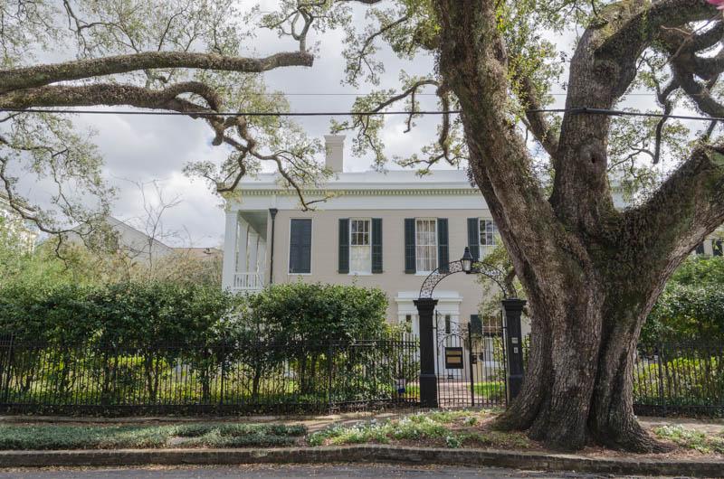 Historische Villa im Kolonialstil im Garden District in New Orleans